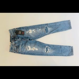 NWT, Levi's 501 Skinny Light Wash Distressed Jeans
